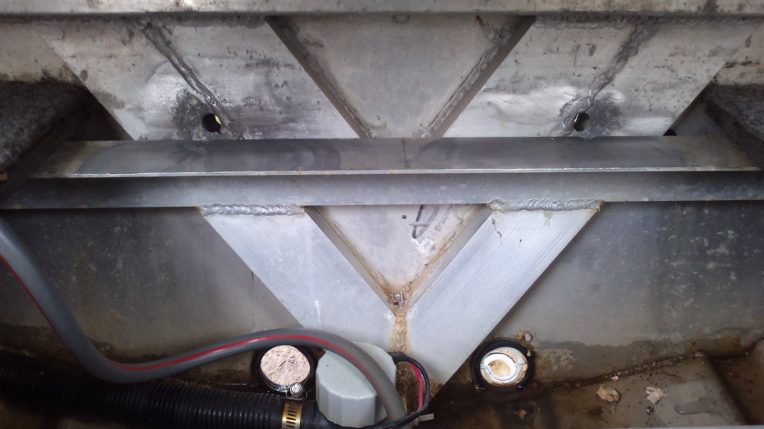 Aluminium Transom Corrosion - Repair Advice | Fishing - Fishwrecked.com - Fishing WA. Fishing ...