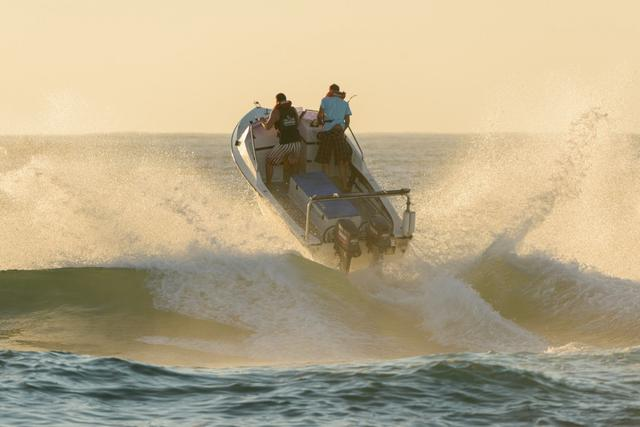 Surf Launching In South Africa Fishing Fishwrecked Com