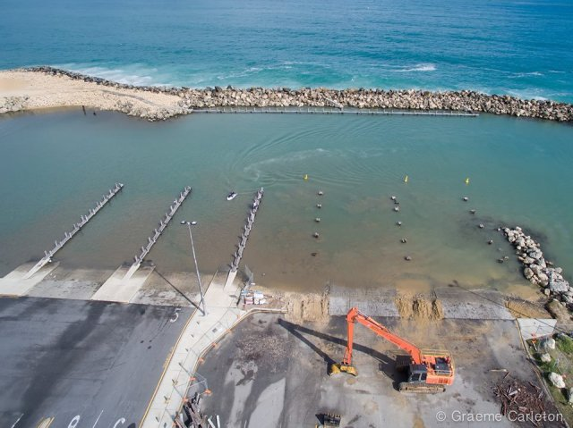 Ocean Reef marina work on jetties