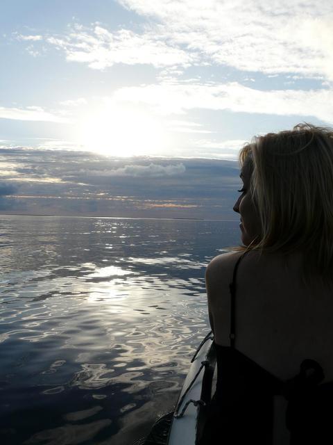 Heading to Leo Island