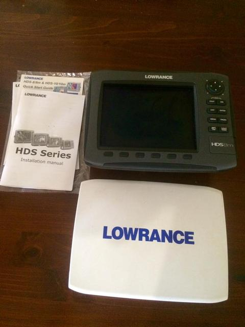 Lowrance Gen 2 GPS with internal aerial and mounting bracket